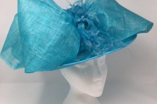medium turquiose hat